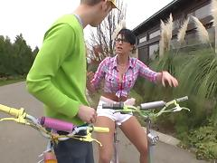 Hot girl on bicycle finds a boy to fuck with