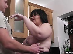 Married man fucks BBW on the floor
