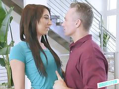 Jessica Jones spreads her legs for a mature hunk's engorged tool