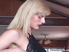 Anal fucking les for blonde MILF who