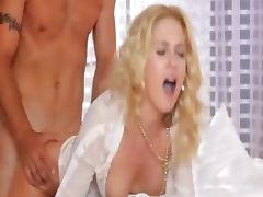 Ultra hot sex on the first date for cam