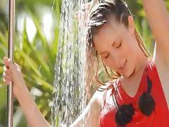 horny outdoor splash and unique body