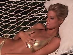 Cidney Carson the slim blonde shows her body at night