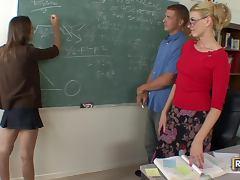 Teacher Darryl Hanah Fucks a Student in Class