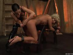 Sandra loves when Mya Diamond goes cruel on her pussy