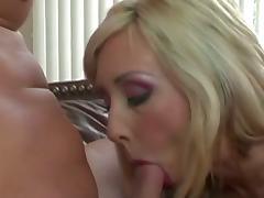 Stunning blonde pleases peter north