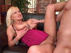 Alex Granger fucks with blonde Sharon Pink
