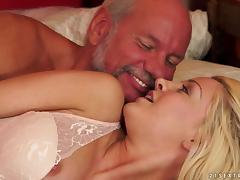 Hot mature cock milking session with porn sweetheart Sienna Day